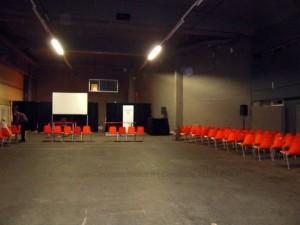 BELGIQUE | PEINTUREMAMANLOTUS | CHRISTIANE ALLENBACH | 2013 | NAMUR AQUARELLE  SALLE DE REMISE DES PRIX ICI VIDE